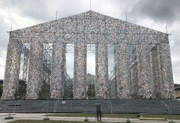Marta Minujín_Der Parthenon der Bücher